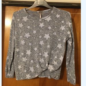 4/$25 Poof Girl Sweater Sz L